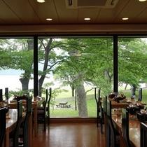 レストラン奥入瀬からの十和田湖