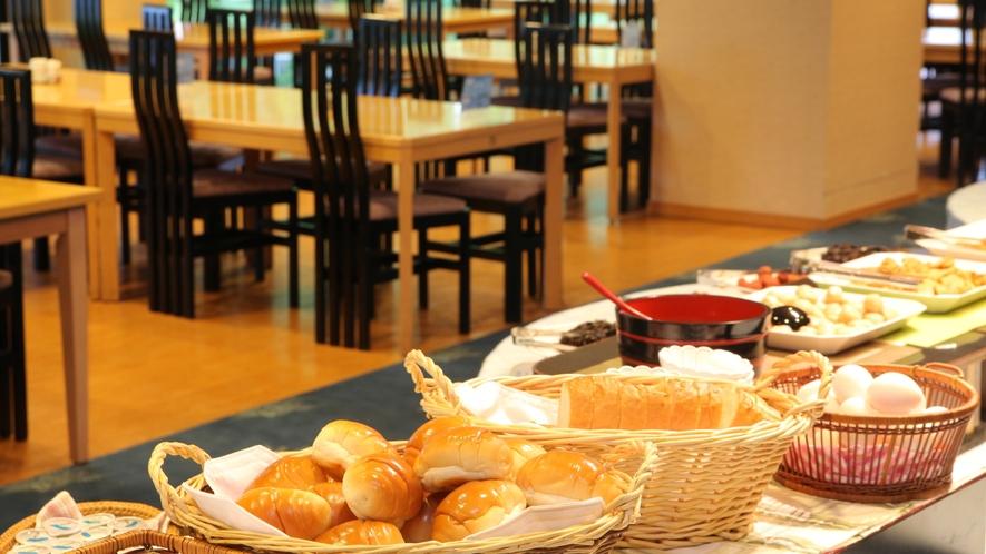 レストラン「奥入瀬」での朝食バイキングの一例