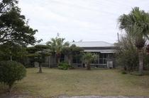 民宿の前庭