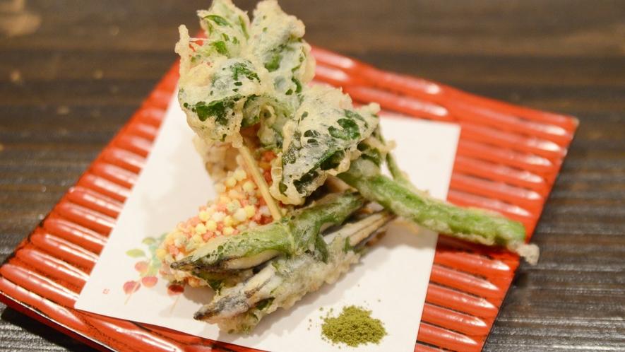 【天ぷら】素材にこだわり、旬を大事にしたオーナー手作りの一品。