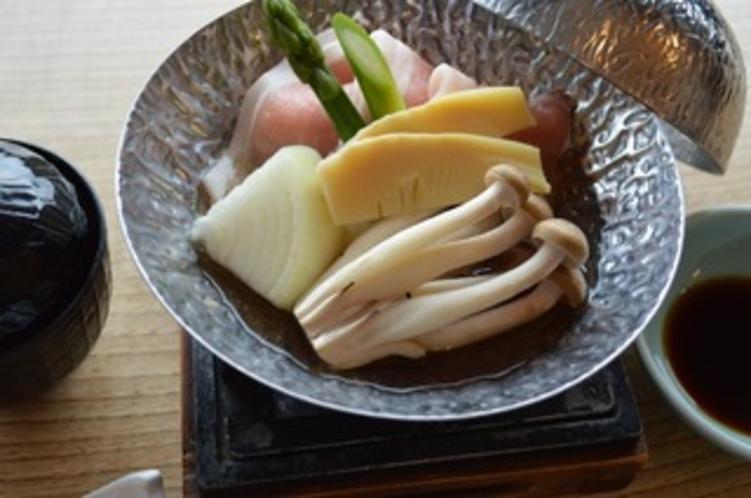 会席プラン(春) 豚コンソメ鍋 イメージ