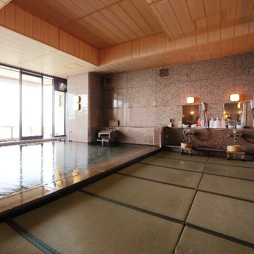 2階女性側大浴場の内湯