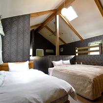 ・ファミリーB/寝室にはダブルベッド1台、シングルベッド1台をご用意