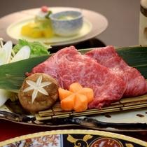 神戸牛と季節野菜の肉すき