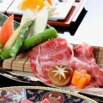 ~ 神戸牛と夏野菜の2色鍋 ~