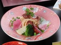【酢物】蛍烏賊と桜海老麺のサラダ桜ドレッシング