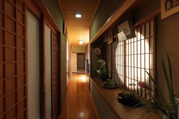 【1泊夕食&朝食付】京懐石料理夕食付 夕食は祇園花咲へ】禿庵へ京都駅からバスで約12分+徒歩3分