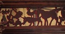 木彫りのレリーフ/グレムリン