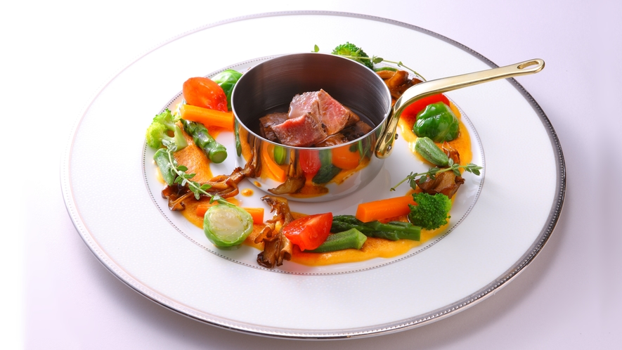 牛フィレ肉の小鍋~ソースペリグー~