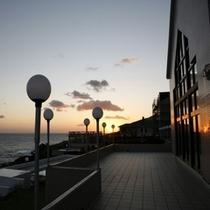 ホテル外観朝の風景