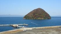 ホテルから見える「湯の島」