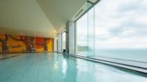 陸奥湾を見下ろす展望露天風呂