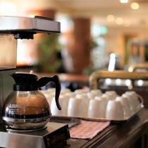 コーヒーを24時間無料提供