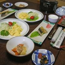 *選べる朝食(和食)/焼き魚や卵料理を始め、仕入れによってはあしたば料理もご提供します!