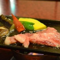 豊後牛ステーキ150g◆ジューっと音が食欲をそそります!塩またはタレでお召し上がり下さい。