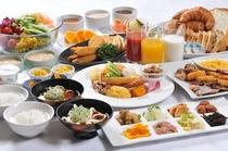 大好評の50種類和洋朝食バイキングをお召し上がり下さい