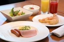 バランスの良い朝食を食べて1日元気!