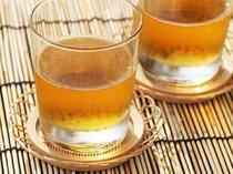 【麦茶】 冷たい麦茶を1階ロビーにてご用意しております。夏の暑い日やお風呂上りにいかがですか?