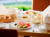 「ダイニング カフェ」朝食 イメージ