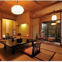 ■【和室10畳+檜の温泉内風呂】1階・居室一例