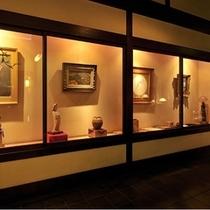 ■骨董の並ぶギャラリー 一例