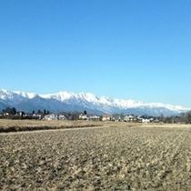 ■安曇野から見渡す北アルプスの美しい雪景色