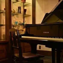 ■ロビーのピアノ
