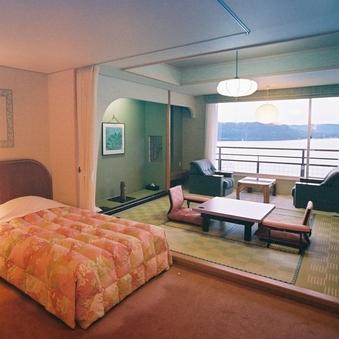 【華の館】50平米 レイクビュー和洋室