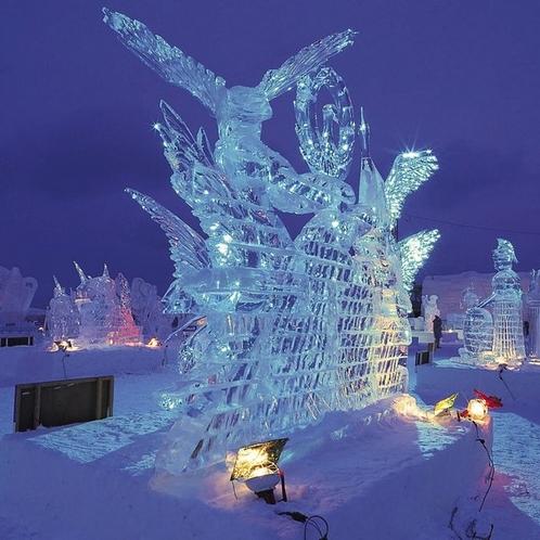 【流氷祭り氷像】