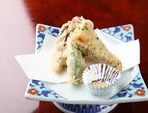 お料理の一例 季節野菜の天ぷら