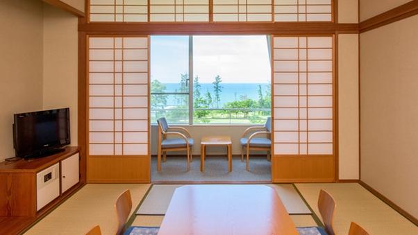 寛ぎの空間と目の前に広がる日本海が自慢の和室【禁煙】
