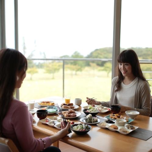 旨い朝食こそ旅の楽しみ♪