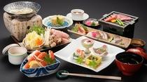 *【料理長お任せ会席(一例)】境港から仕入れる魚介や山陰の野菜など、季節に合った食材を使用。