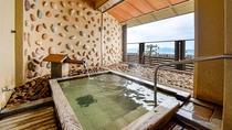 *【大浴場】男女共に露天風呂ございます!心地よい潮風と波音と共に温泉をお楽しみください。