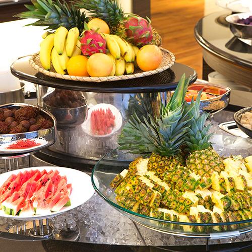 -朝食メニュー例-フルーツコーナー