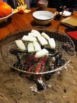 囲炉裏と餅