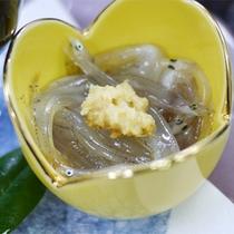 *スタンダード会席一例/季節ごとの新鮮なお魚。素材の味を存分に活かしています。