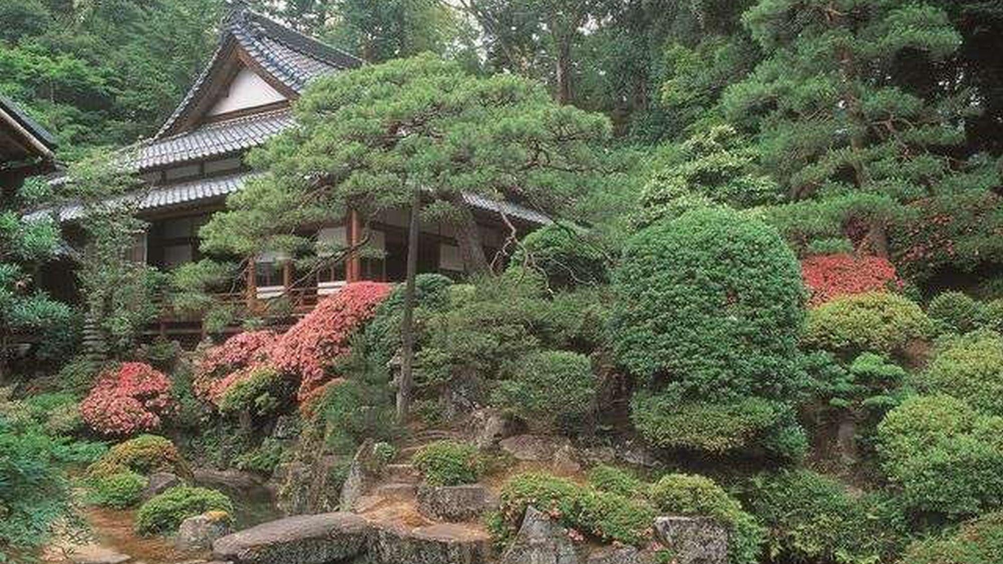 【瀧谷寺】 ※山水庭園は、いつまで見ていても飽きない美しさです。