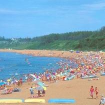 【浜地海水浴場】 ※水の透明度の高さは県内でも有名です☆