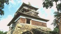 【丸岡城】 ※春満開の桜の中に浮かぶ丸岡城の姿は幻想的でひときわ美しいです!