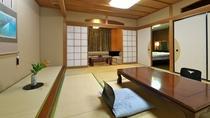 【本館】客室 ※ゆったりとしたお部屋は3世代でのご宿泊にもおすすめです。