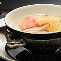 夕食一例 スープ※季節・仕入れ状況によりメニューが変わります。