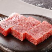 夕食メイン一例:前沢牛ステーキ