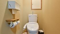 *展望風呂付客室。シャワー付きトイレ