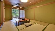 *展望風呂付客室。部屋からは勝浦川をのぞめます。