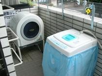 2階ベランダ洗濯機
