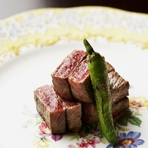【夕食一例】*厳選されたお肉の素材そのものの味をお楽しみください。