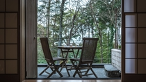 【本館/木蘭-mokuran-】檜造りの露天風呂付オープンテラス