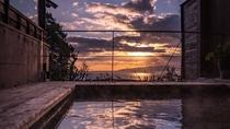 【別荘/悠‐yu‐】夕焼けを眺めながらの湯あみは極上のリラックスタイム