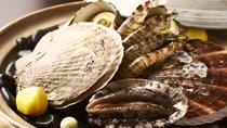 【特別料理】海鮮石焼皿 /熱い石の上で香ばしく焼きながら素材の持つ旨みを堪能!